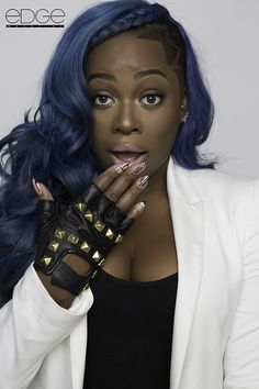 Olori Swank. Idk who this but her hair tho...