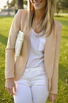 Outfit casual con el toque diferente que aporta el blazer