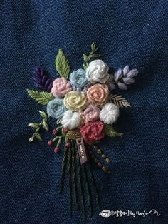 Floral Embroidery Patterns, Types Of Embroidery, Hand Embroidery Designs, Embroidered Flowers, Hardanger Embroidery, Embroidery Stitches, Satin Stitch, Needlework, Ideias Fashion