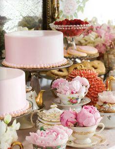 tea cups near cake. Also ideas for dessert buffet Pink Dessert Tables, Pink Desserts, Dessert Buffet, Tea Party Baby Shower, Bridal Shower, Shower Baby, Baby Showers, Afternoon Tea Parties, Think Food