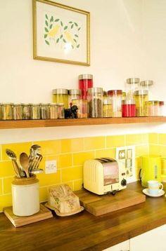 Home Kitchen Storage Shelf Kitchen cabinet Cabinetry Tile Yellow Room Yellow Kitchen Cabinets, Kitchen Tiles, Kitchen Yellow, Dark Cabinets, Kitchen Paint, Yellow Kitchen Designs, Modern Kitchen Design, Big Kitchen, Kitchen Retro