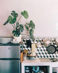 sfgirlbybay / bohemian modern style from a san francisco girl Decor, Beautiful Kitchens, Eclectic Decor, Kitchen Decor, House Styles, Home Decor, Apartment Decor, Farmhouse Side Table, Kitchen Design