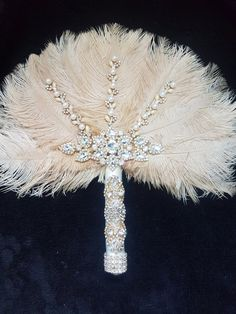 Feather Fan wedding bouquet, Ostrich feather bouquet in 2019 Wedding Fans, Gatsby Wedding, Our Wedding, Dream Wedding, Trendy Wedding, Broschen Bouquets, Wedding Brooch Bouquets, Bouqets, Wedding Colors