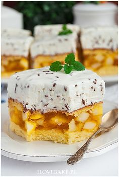 Jabłecznik straciatella I love bake Desserts To Make, Köstliche Desserts, Delicious Desserts, Sweet Recipes, Cake Recipes, Dessert Recipes, Food Cakes, Cupcake Cakes, Torte Recipe