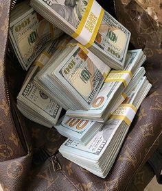 Mo Money, How To Get Money, Make Money Online, Business Baby, Business Tips, Business Money, Money On My Mind, Money Pictures, Money Stacks