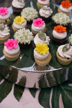 THIS TROPICAL CUBAN THEMED WEDDING INSPIRATION WOULD BE PERFECT FOR A SUMMER WEDDING.