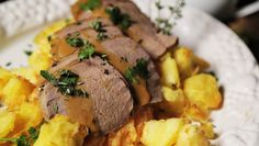 Sunday Roast Beef Beef Joint, Protein Rich Diet, Roast Beef Recipes, Sunday Roast, Quites, New Recipes, Recipies, Pork, Stuffed Peppers