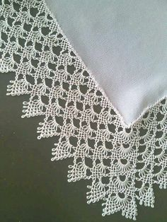 This post was discovered by HU Needle Lace, Needle And Thread, Embroidery Neck Designs, Point Lace, Lace Collar, Lace Flowers, Sewing Hacks, Crochet Lace, Needlepoint