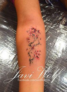 I love Javi Wolf tattoos! Love the tiny details. Tattooed by Wolf Tatoo Henna, Tatoo Art, Get A Tattoo, Back Tattoo, Body Art Tattoos, New Tattoos, Small Tattoos, Sleeve Tattoos, Tatoos