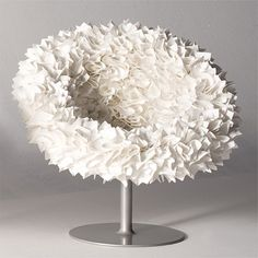 PLI en papier   Bouquet Chair, 2008 Tokujin Yoshioka, Moroso mousse, cadre en acier, microfibre