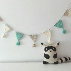 guirnaldas tejidas al crochet para decorar