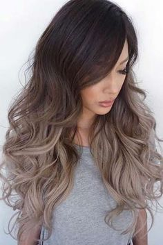 Balayage staining technique has long been very popular among women of all ages and tastes. Today we'll talk about painting balayage for blond hair. Cabelo Ombre Hair, Ombré Hair, Hair Updo, Curly Hair, Bangs Hairstyle, Curly Wigs, Ombre Hair Color, Blonde Ombre, Ash Ombre Hair