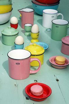 Enamel-look ceramic Table ware, designed for Cabanaz