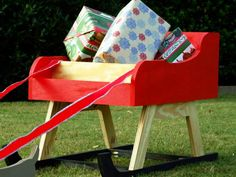 How to Build an Outdoor Santa Sleigh with Reindeer