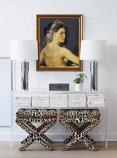 Using standout pieces and vintage accents, One Kings Lane Interior Design transformed a minimalist Brooklyn apartment into a layered and livable home. Vintage Lamps, Vintage Lighting, Vintage Home Decor, One Kings Lane, Hollywood Regency Bedroom, Animal Print Decor, Parisian Apartment, Brooklyn Apartment, Trends