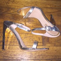 Topshop gold mule heels size 8.5 Brand new, never worn, mint condition. Topshop Shoes Heels