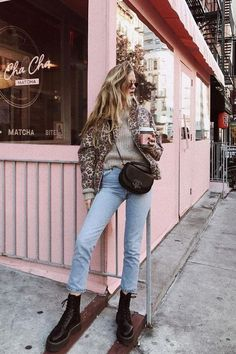 7 Sweater-and–Skinny Jeans Combinations I Fully Plan on Copying Get inspired by the sweater-and–skinny jeans outfits I'll be copying this winter and shop the best pieces to get the looks yourself. Winter Skinny Jeans Outfits, Fall Winter Outfits, Casual Winter, Winter Clothes, Winter Boots, Fall Jeans, Winter Dresses, Winter Wear, Outfit Jeans