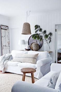 79ideas_christmas_in_australia_living_room_simple_decoration