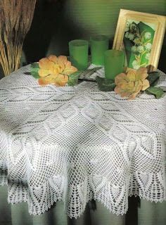 Free Crochet Patterns: Round Tablecloth With Pineapples