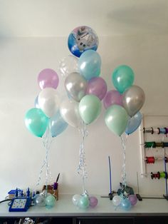 9 balloon floor arrangements in gold black silver and for Balloon decoration color combinations