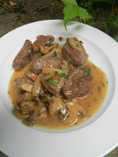 Pork cheeks with mushrooms … it's too good ! Source by jeanandreb Salmon Recipes, Pork Recipes, Healthy Recipes, Cast Iron Skillet Cooking, Pork Cheeks, My Best Recipe, Baked Salmon, Pork Dishes, International Recipes