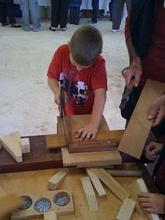 """The Joy of Wood for Kids"" blog: useful article about types of saws."