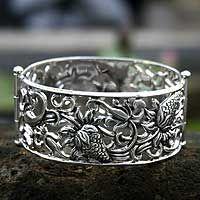 Silver strawberry bracelet