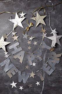 Holiday Decor Ideas! #holiday #holidaydecor #holidaydecorations #nye #nyedecorations #nyecelebration #gliter #balloons #joy #happiness