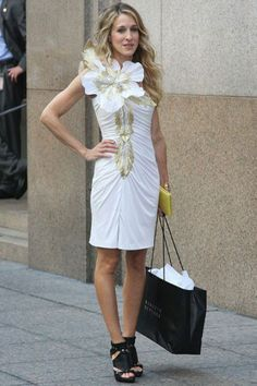 Carrie-Bradshaw-Sex-And-The-City-Sarah-Jessica-Parker-Best-Looks-StyleChi-White-Dress-Gold-Embellishment-Giant-Flower-Black-Dior-Gladiator-H...