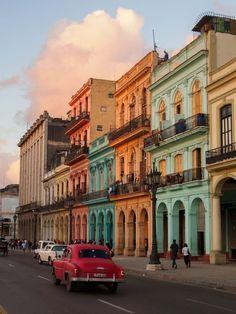 Places To Travel, Travel Destinations, Places To Visit, Havana Cuba Beaches, Cuba Photography, Cuba Street, Images Murales, Cuba Travel, Travel