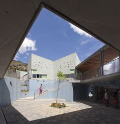 Gallery of Santo Domingo Savio Kindergarten / Plan B arquitectos - 13