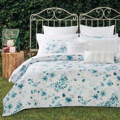 The Jalen quilt cover set will bring a light floral element to your bedroom, incorporating pastel colours in the blue palette...#quiltcovers #doonacovers #superkingquiltcovers #superkingbedlinen #bedlinen #linen #bedding #kingsheets #superkingsheets #quiltcover #homedesign #floral Superking Bed, European Pillows, King Sheets, Blue Palette, White Sheets, Queen Quilt, Quilt Cover Sets, King Beds, Sheet Sets