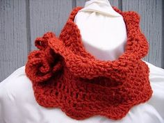 Very cute scarf...I must figure this one out, no pattern available.