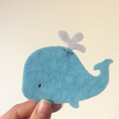 Detail of the Whale with jet model ⠀ Nursery Themes, Nursery Ideas, Nursery Decor, Whale Origami, Whale Party, Prop House, Baby Gender Reveal Party, Sewing School, Felt Garland