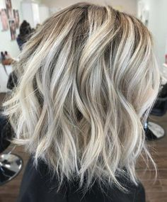 Tousled Shaggy White Blonde Bob 60 Messy Bob Hairstyles for Your Trendy Casual Looks White Blonde Bob, Brown Blonde Hair, Medium Blonde Bob, Ash Blonde Balayage Short, Blonde Lob Hair, Messy Blonde Bob, Short Blonde Bobs, Blonde Bob Haircut, White Hair