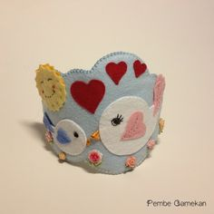 PEMBE CAMEKAN - Keçe Tasarım Atölyesi - Hediye Dükkanı: Anne Bebek Ürünleri (Kuşlu Lohusa Tacı)