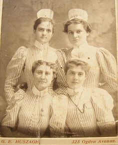 Vintage Nurses Photograph from 1898 - student nurses, striped uniform with apron-wearing caps without ribbons - Hospital School Post Capping- but no ribbon probably Yr 1 students. History Of Nursing, Medical History, Vintage Nurse, Vintage Medical, Vintage Photographs, Vintage Images, Old Pictures, Old Photos, Nurse Pics