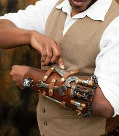 Airship Engineers Tool Bracer-I neeeeeed this for my engineer!!