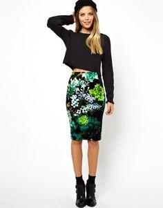{ pencil skirt in velvet floral print }