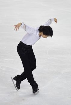 Tatsuki Machida Photos: ISU Grand Prix of Figure Skating: TEB2014