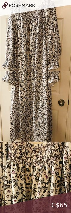 """Hand Smocked Cotton Flannel Gown New. Hand made. Cozy cotton flannel gown with pockets. Hand smocked. Full length (51"""" long). One size fits all (86"""" wide at hip). Great for lounging or sleeping. Intimates & Sleepwear La Senza Bras, Cotton Gowns, Silk Gown, Bra Tops, One Size Fits All, Smocking, Plus Fashion, Fashion Tips, Flannel"""