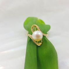 18k geelgouden ring met diamanten en parel