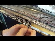 Felle av - Cast off V1 / Norsy/Silver Reed SK280 - YouTube