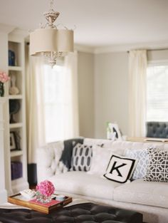 Fun and cozy home: http://www.stylemepretty.com/living/2013/10/07/lovestru-ck-home-tour/ Photography: Megan Pomeroy