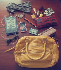 pocketful of pretty: what's in my bag?!