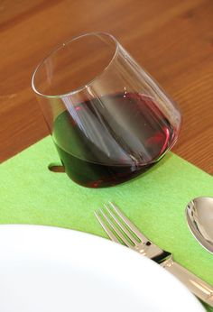 Sempli Cupa-Place Green Placemats #placemats #dining #wine