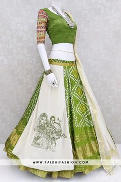 palkhi fashion presents off white flap chaniya choli with green pure silk blouse &soft cotton silk dupatta.Navratri collection 2019 from palkhi fashion Indian Fashion Dresses, Indian Gowns Dresses, Dress Indian Style, Indian Designer Outfits, Long Dress Design, Stylish Dress Designs, Stylish Dresses, Choli Designs, Saree Blouse Designs