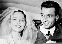 Bernadette de Courcel and Jacques Chirac on their wedding day on March 1956 in France. Get premium, high resolution news photos at Getty Images