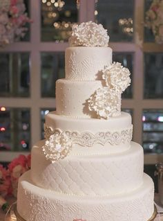 Wedding cake idea; Featured Photographer: Greer G Photography, Featured Cake: Melissa's Fine Pastries