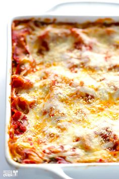This Spinach Lasagna recipe is quick and easy to prep and SO delicious! How To Cook Lasagna, No Boil Lasagna, Spinach Lasagna, Classic Lasagna Recipe, Easy Lasagna Recipe, Marinara Recipe, Homemade Marinara, Sauce Recipes, Pasta Recipes
